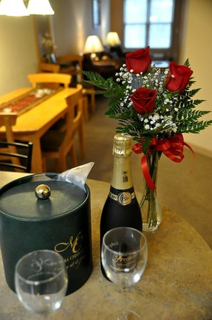 Mill Creek Hotel: Add a Romance Package to your getaway