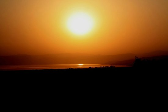 Dona Gracia Hotel: Sunset in the holy city of Tiberias