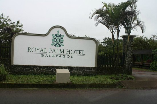 Royal Palm Hotel Galapagos :                   Entrance