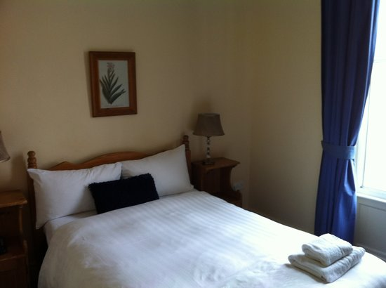 Baggot Court Townhouse:                   My room at Baggot Court
