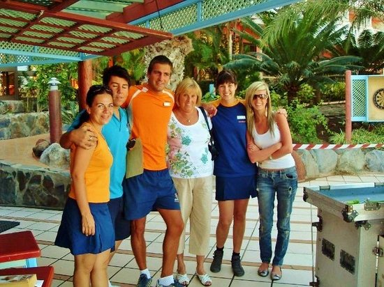 ‪إيفا كونتيننتال هوتل:                   The Animation team 2010 and Thomson Holiday Rep with my nan and I.