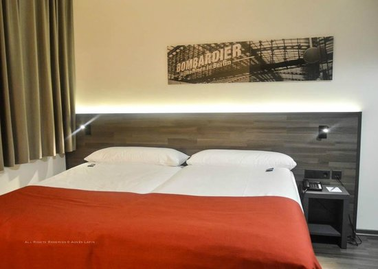 Hotel Berlin Mitte By Melia:                   Bed