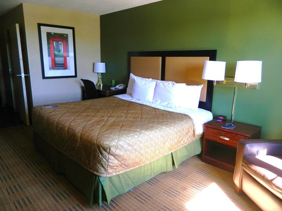 Extended Stay America - St. Petersburg - Clearwater - Executive Dr.:                   Room