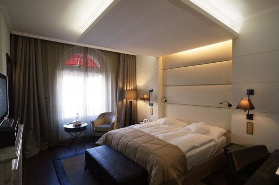 Lausanne Palace & Spa:                   room 338