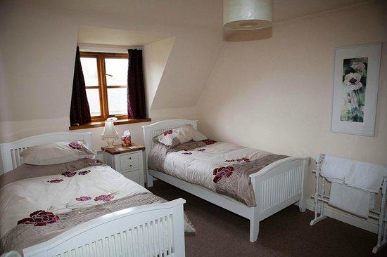 Staddlestones B&B: Twin bedroom