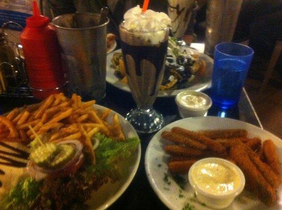 Saturn Cafe:                   Yum