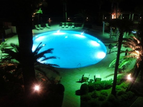 The King and Prince Beach and Golf Resort:                   Pool at night