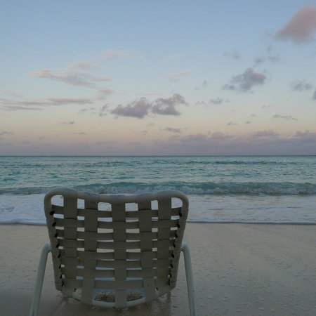 Grand Cayman Marriott Beach Resort:                   Great Beach early morning