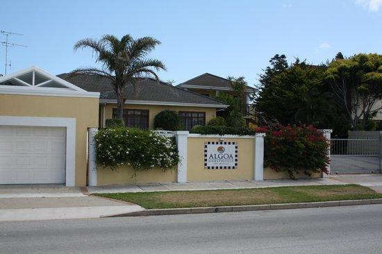Algoa Guest House:                   Facaden.