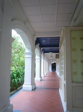 Raffles Hotel Singapore:                   hall