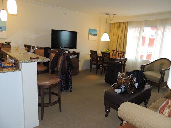 Hyatt Regency Clearwater Beach Resort & Spa:                   kitchen bar and living area