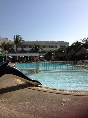 Andaman Beach Suites Hotel:                   kids pool & main pool