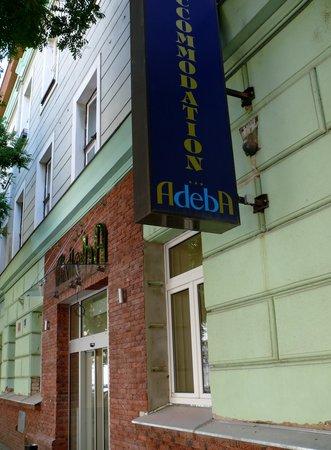 Adeba Hotel:                   снаружи