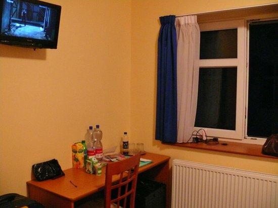 Adeba Hotel:                   в номере