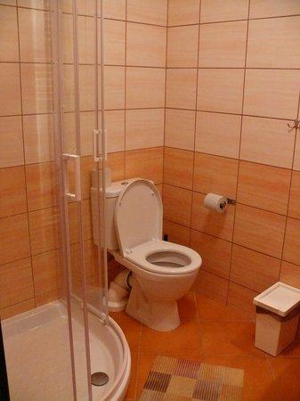 Adeba Hotel:                   ванная