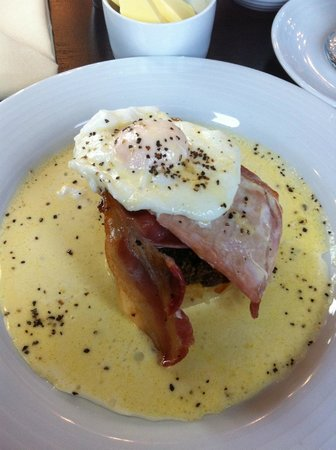 The Ugadale Hotel & Cottages:                                     The Kintyre breakfast!
