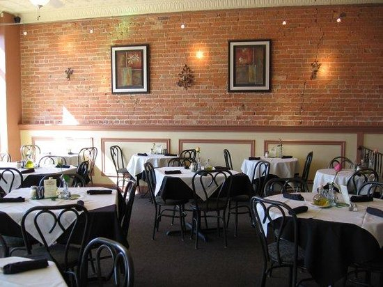 Comensoli's Italian Bistro & Bar: Dining Area