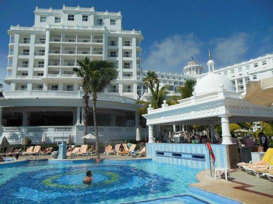 Hotel Riu Palace Las Americas:                   desde la piscina