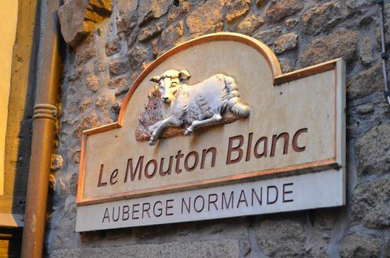Hotel Le Mouton Blanc:                   看板