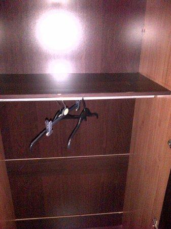 Newham Hotel:                   3 coat hangers