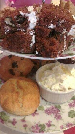 Hettie's Tearoom:                   Afternoon Tea for 3 (part 2)