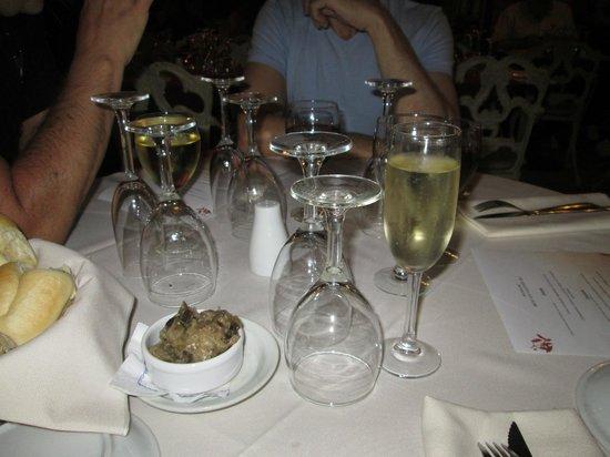 Restaurante Mundano:                   champagne