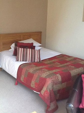 The Crown Hotel: Double Bed, Family Room