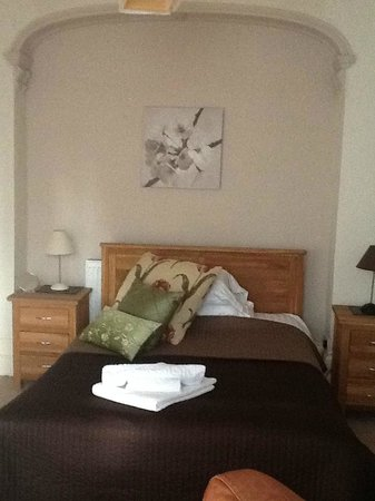 The Crown Hotel: Double Bed, Standard Double Room