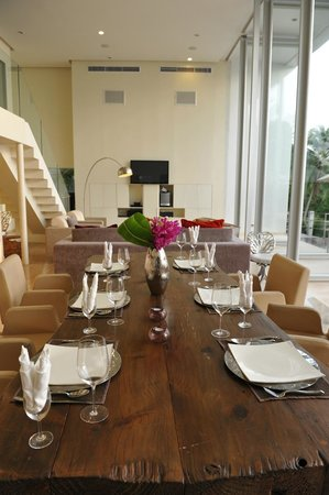 Villa Beige:                   stylish dining area