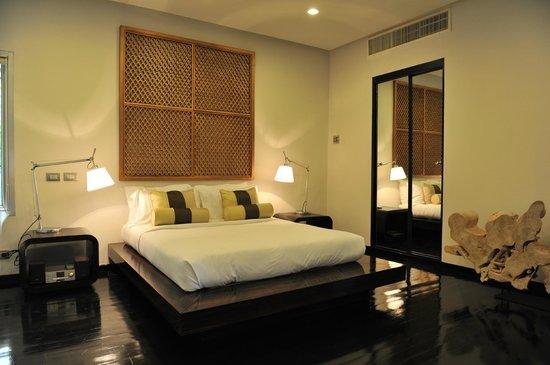 Villa Beige:                   nice guest room
