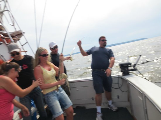 Ocean Adventure Center: Vancouver Fishing Charters:                   Reeling in the big one!