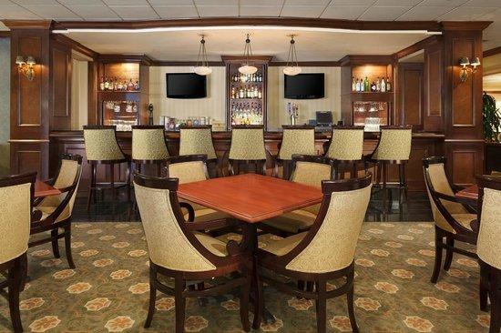 Sheraton Omaha Hotel: Lobby Bar
