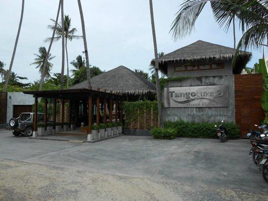 Tango Luxe Beach Villa:                   Entrée de l'hotel