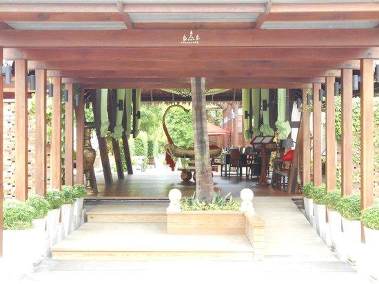 Tango Luxe Beach Villa:                   Entré et acceille de l'hotel