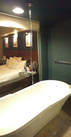 Hotel 1000:                   The Bath!