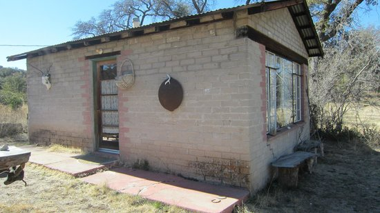 Cherry Valley Ranch B & B:                                     Very rustic casita not luxurious but clean and could use upd