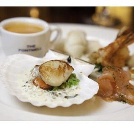 The Fontmell: Seafood Tapas: Crab Soup, Scallop, Smoked Salmon, Prawn Cocktail, Tempura Prawns