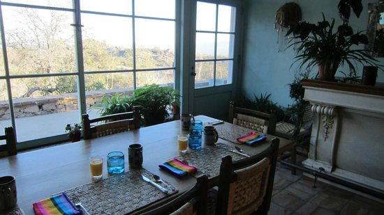 Cherry Valley Ranch B & B:                                     breakfast table with view