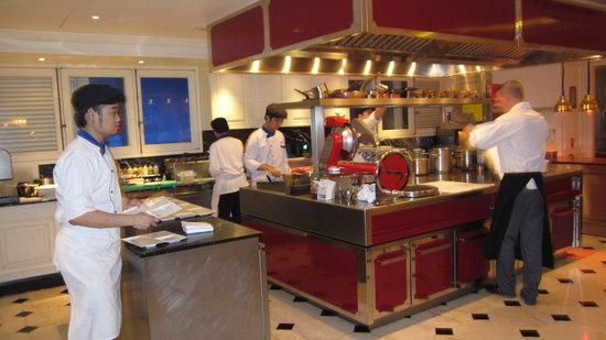 """Sofitel Bangkok Sukhumvit:                   Restaurant """"gastro"""""""