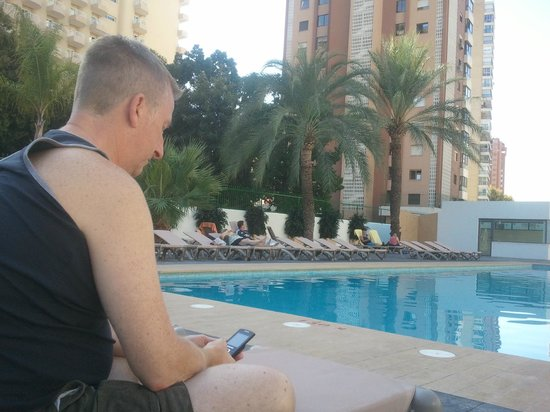 Flash Hotel Benidorm:                                     Pooside