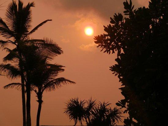 Serene Pavilions:                   Sonnenuntergang