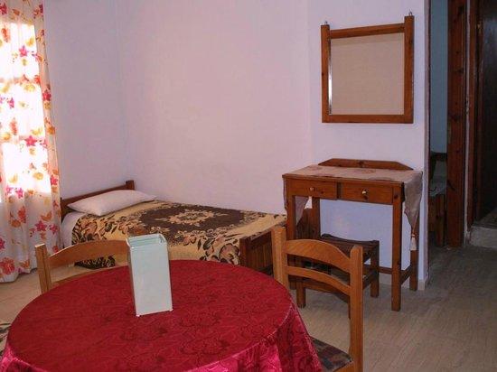 Koula Apartments: Apartment's extra bed