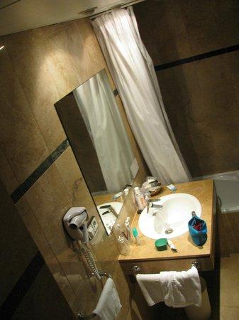 Hotel Glories:                   Scorcio bagno
