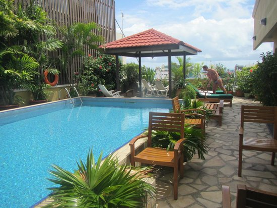 Mookai Hotel:                   the pool terrace