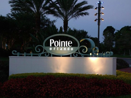 Rosen Inn at Pointe Orlando:                   Hotel Entrance