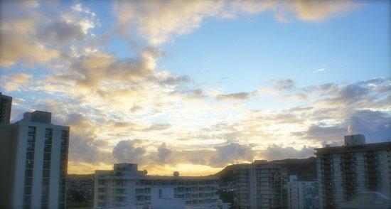 Waikiki Beach Marriott Resort & Spa:                   Sun rise                 