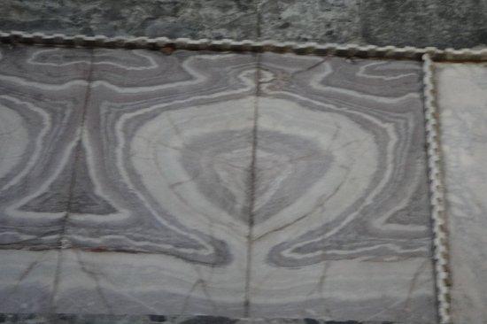 متحف/كنيسة آيا صوفيا (آيا صوفيا):                   облицовка стен                 