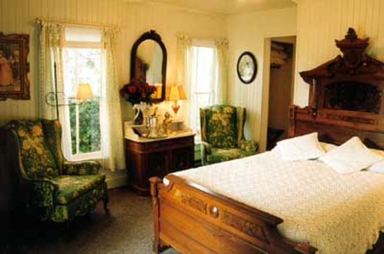 Haan's 1830 Inn: Simple Pleasures: M. La Framboise is one of four Simple Pleasures rooms