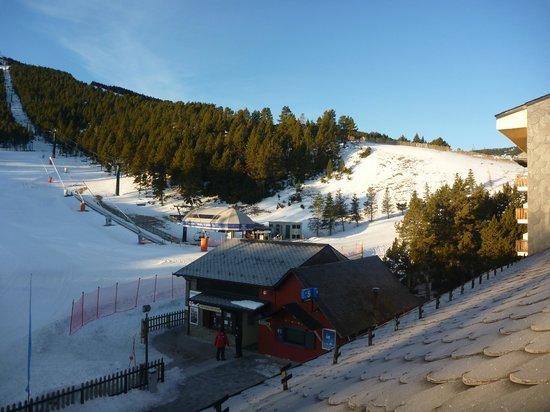 SERHS Ski Port Del Comte Hotel:                   Vistas desde la habitacion