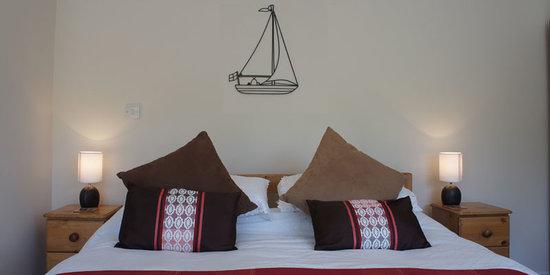 Trennicks B&B: Orchard bedroom